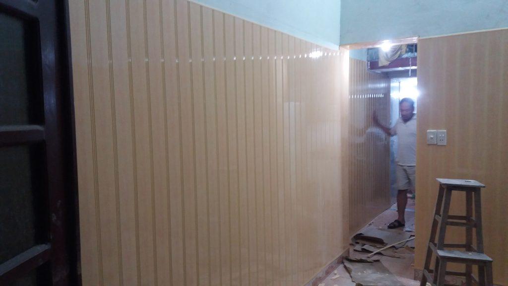 ốp tường nhựa giả gỗ