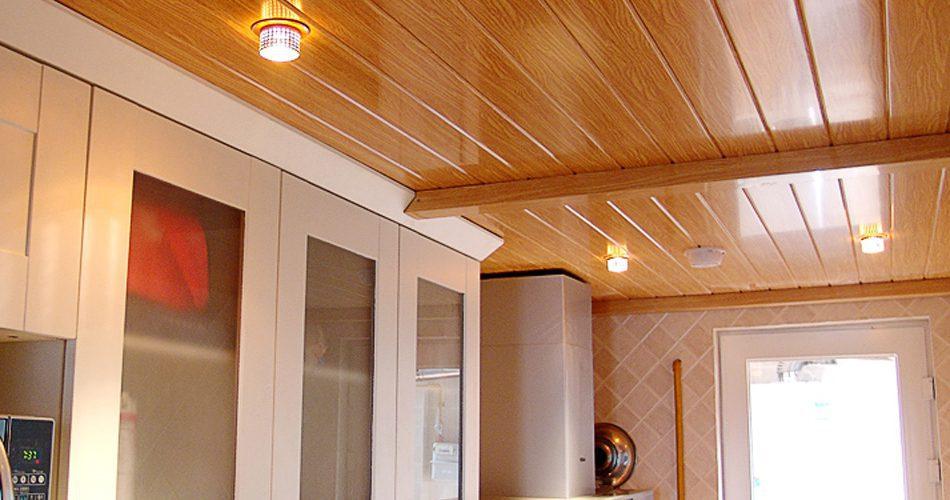 Thi công trần nhựa giả gỗ đẹp tại hà nội